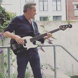 "30"" Shortscale bass Henny Vrienten"